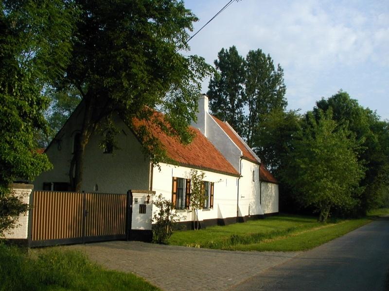 Jabbeke prachtige landelijke hoeve met conciergewoning for Landelijke woningen te koop oost vlaanderen